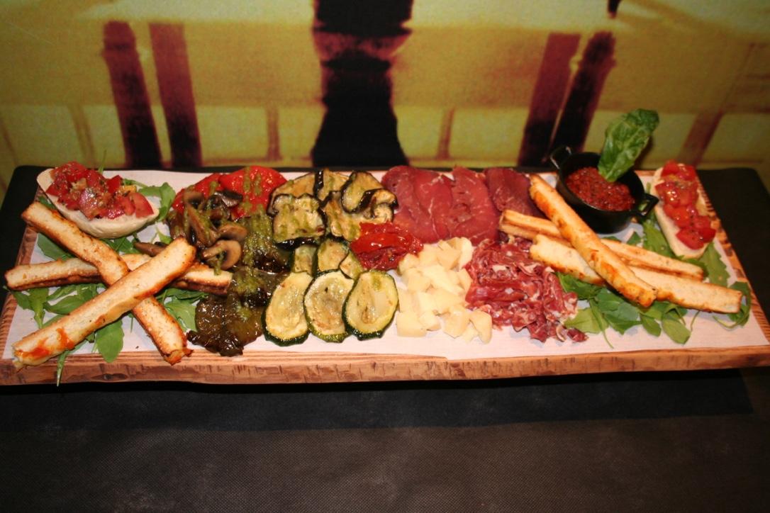 thumb IMG 2924 1024 - Inauguración La Mafia se sienta a la mesa. San Sebastián