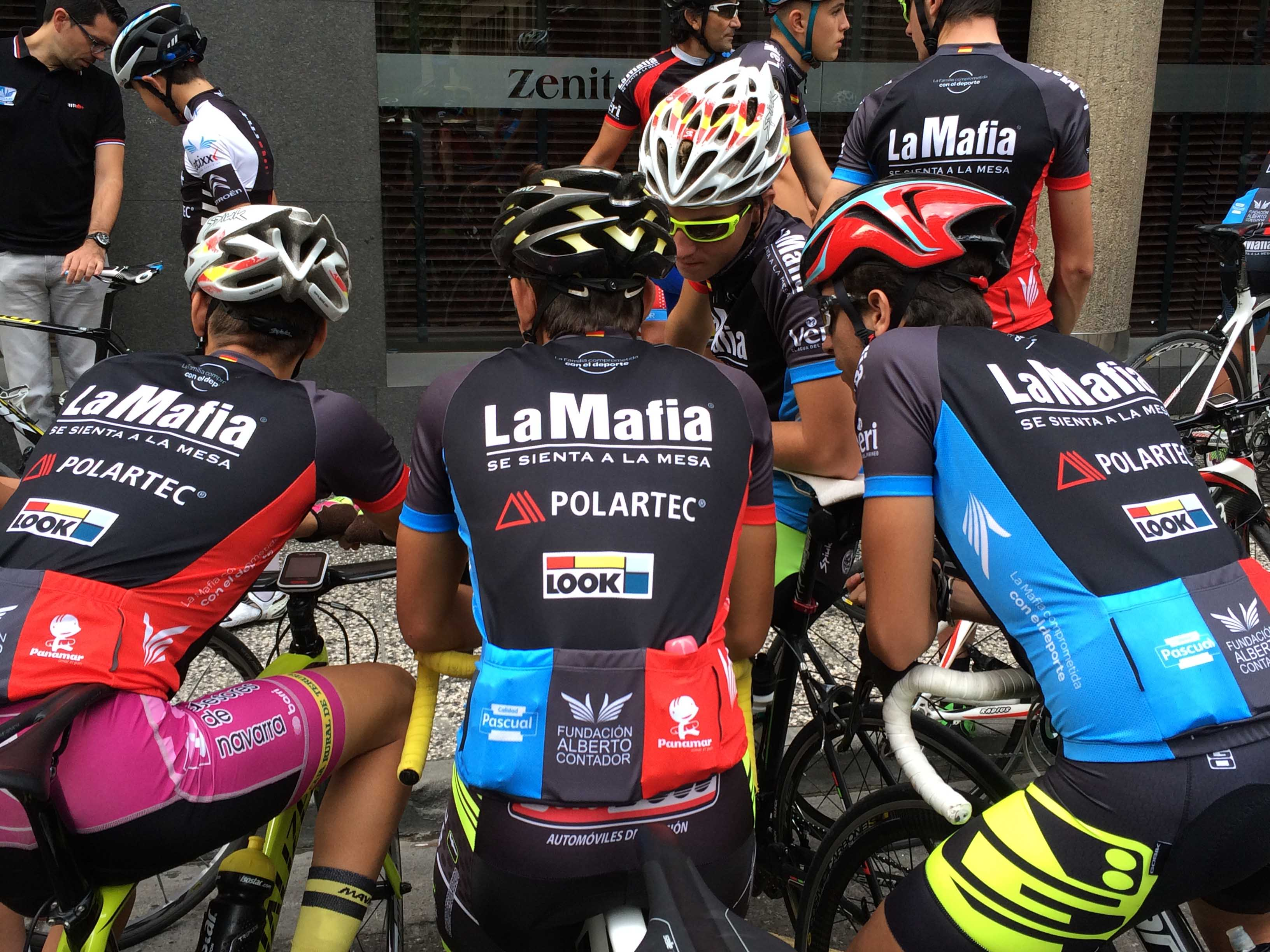 Acuerdo La Mafia 03 - Firmado el acuerdo para el avituallamiento de ciclistas de la Fundación Alberto Contador