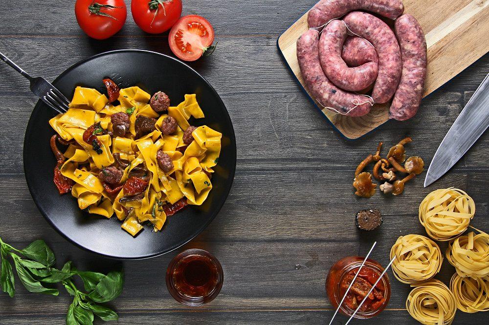 Comer pasta e1484925259937 - Cenar pasta, una opción excelente