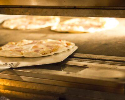 Pizza Burgos 400x320 - Disfruta de las mejores pizzas de Burgos en La Mafia se sienta a la mesa