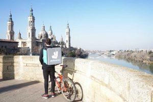 Deliveroo lleva sus servicios a domicilio hasta Zaragoza