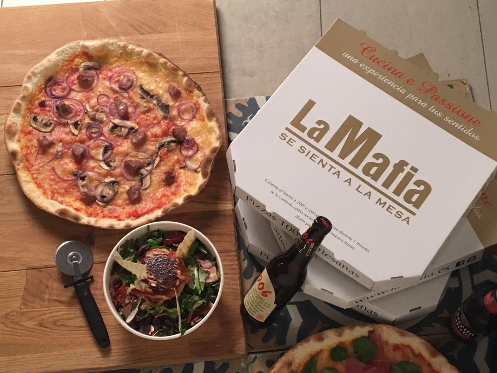 La Mafia se sienta a la mesa con Deliveroo - La Mafia se sienta a la mesa llama a tu puerta gracias a Deliveroo