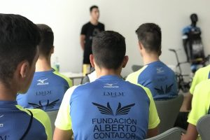28 ciclistas asistieron en Zaragoza al quinto Campus de Selección 'La Mafia se sienta a la mesa'