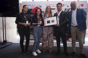 """'La Mafia se sienta a la mesa' entrega el premio """"Servicio Rápido"""" en el evento anual de Hot Concept 2017"""