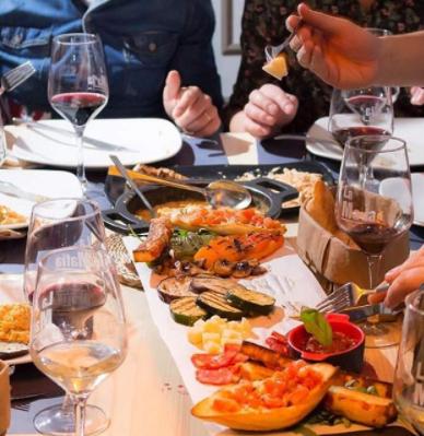 cena de empresa en La Mafia se sienta a la mesa - Disfruta tu cena de empresa en La Mafia se sienta a la mesa