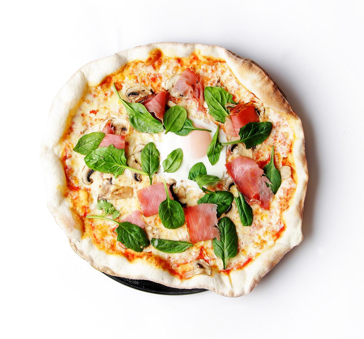 Pizza Speck de La Mafia se sienta a la mesa 1 - Todos los beneficios de comer huevo