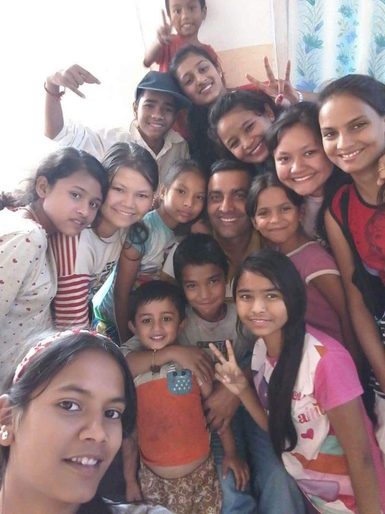 received 10156921301219012 768x1024 - Lotería de Navidad para ayudar a los niños del orfanato My Home (Nepal)