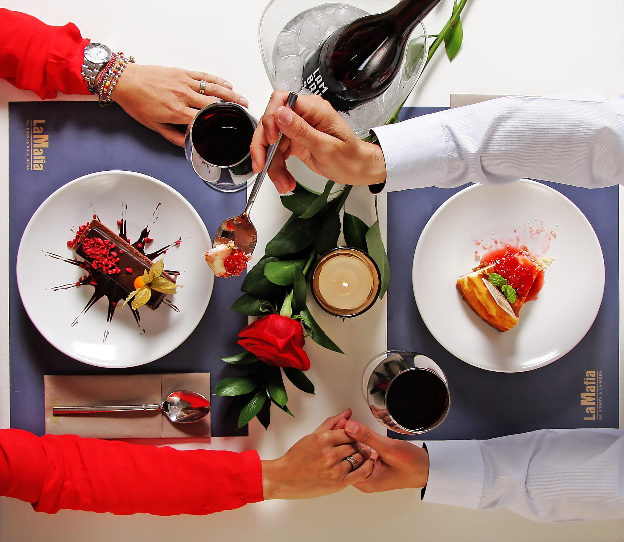 DEF01 - La Mafia se sienta a la mesa en el día más romántico del año