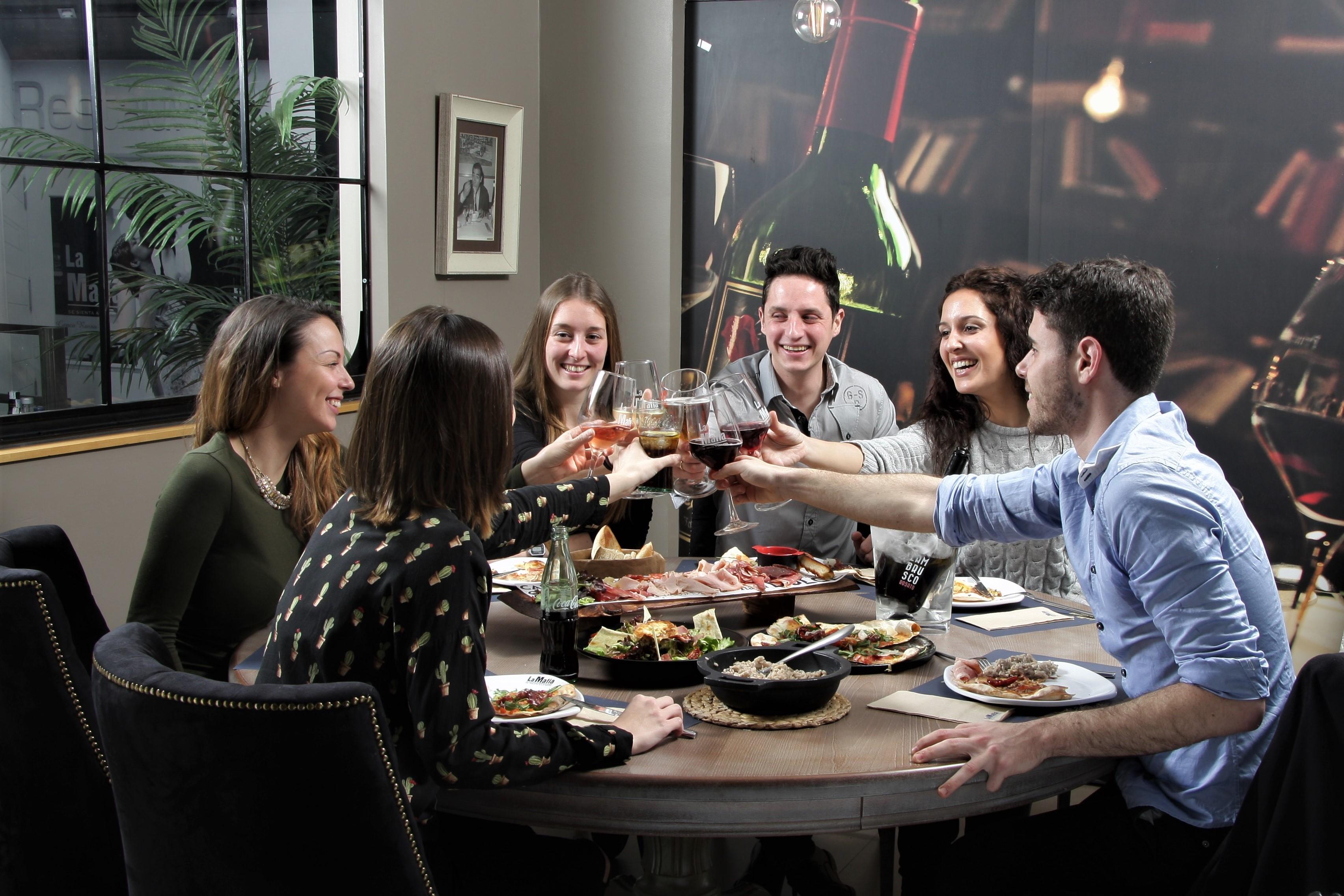 IMG 1434 - ¿Pensando ya en el final de carrera? La mejor cena, con 'La Mafia se sienta a la mesa'