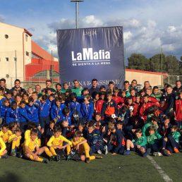 El Club Atlético Osasuna gana el torneo alevín de 'La Mafia se sienta a la mesa'