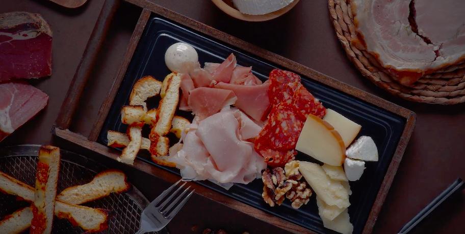 tabla snack de embutidos y quesos