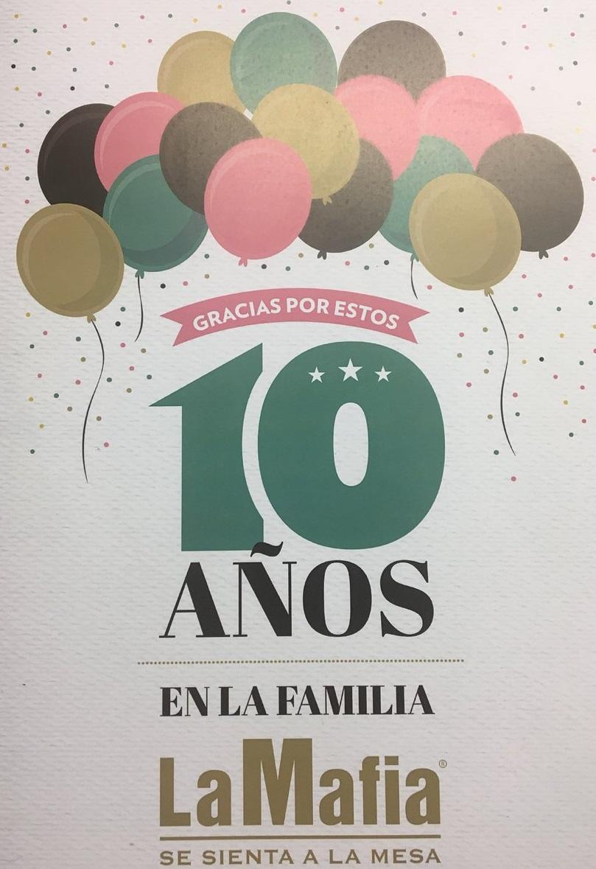 DdzfvUUVQAEAizN - ¡Felicidades a los compañeros que cumplen 10 años!