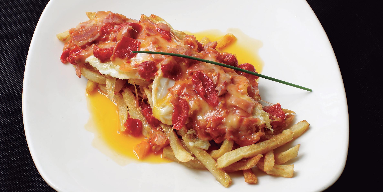 huevos rotos1 - Con bacon, gulas o jamón ibérico, elige los huevos rotos que más te gusten