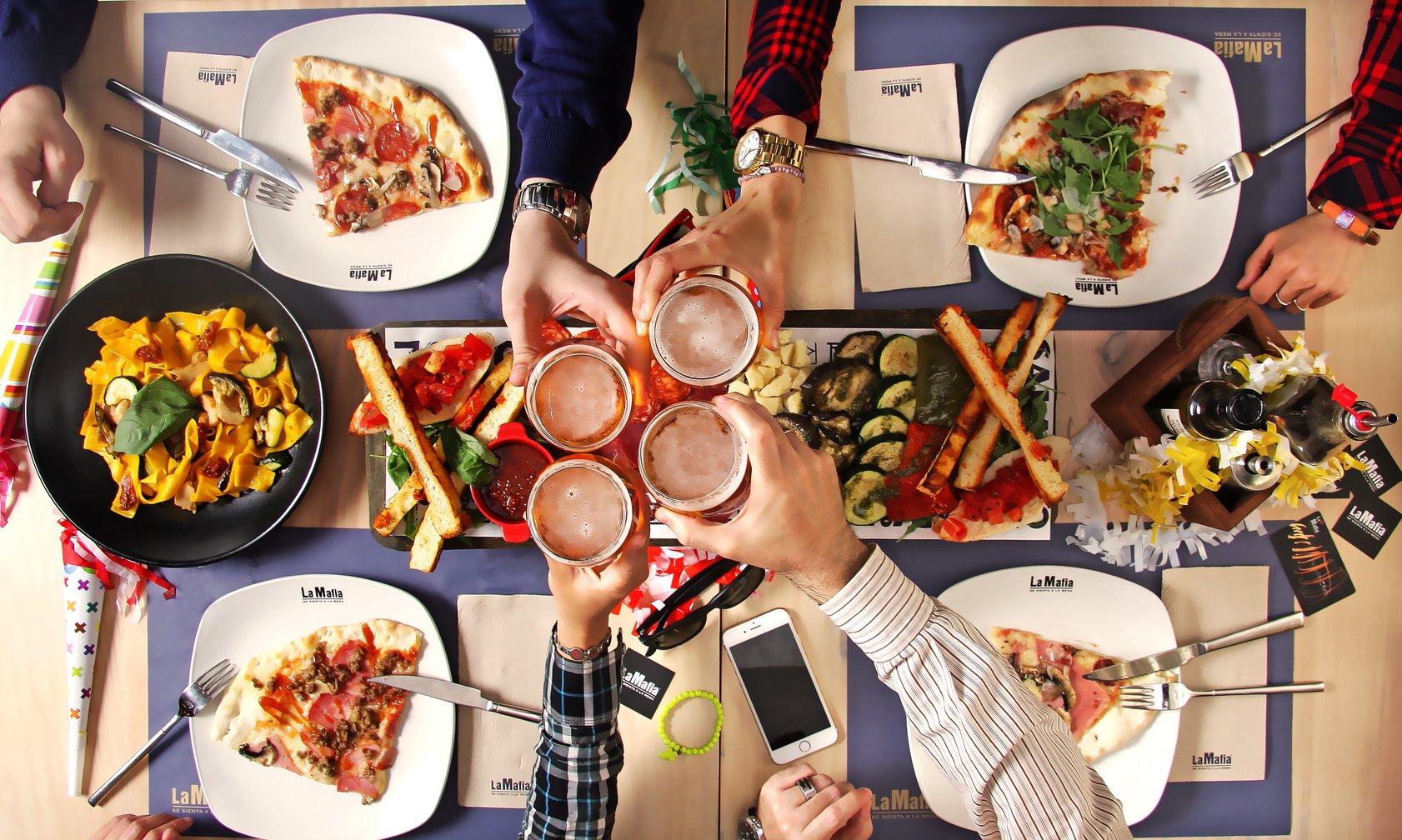 Salir a cenar y otros planes que hacen de un viernes un día especial 2 - Salir a cenar y otros planes que hacen de un viernes un día especial
