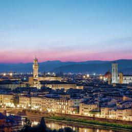 Maletas casi listas para viajar a Florencia con 'La Mafia se sienta a la mesa' y 'Coca Cola'