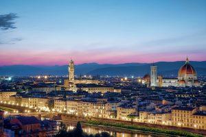 Maletas casi listas para viajar a Florencia 1 300x200 - Maletas casi listas para viajar a Florencia con 'La Mafia se sienta a la mesa' y 'Coca Cola'
