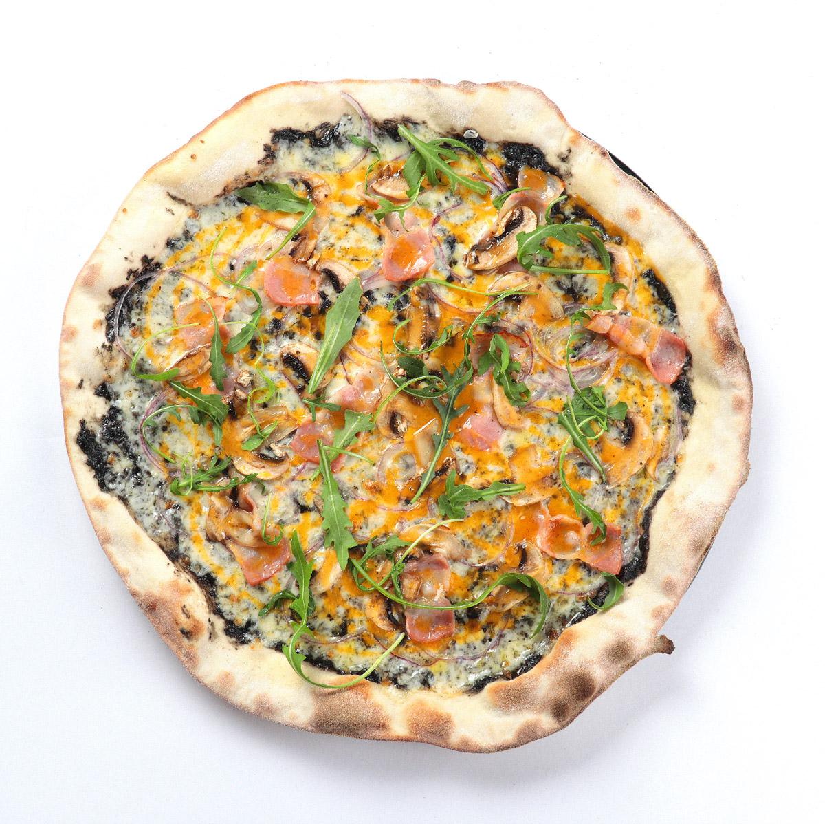 pizza tartu - 3 recetas con trufa que te dejarán boquiabierto