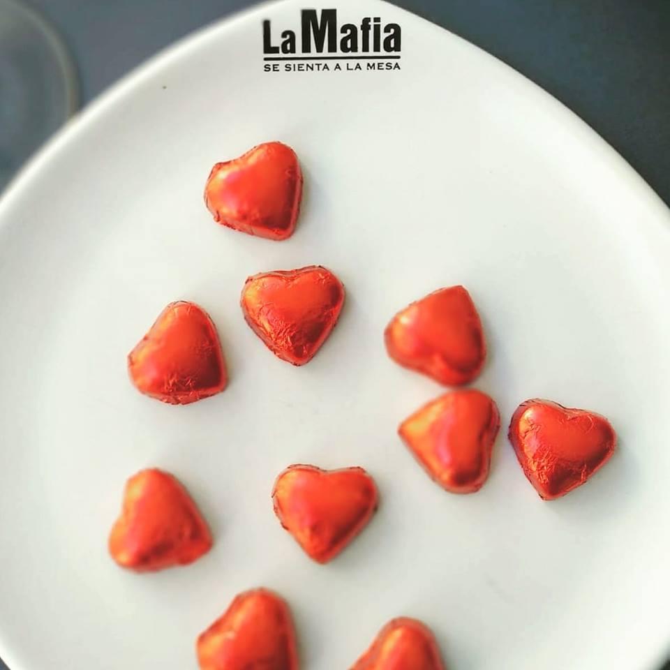 52029220 1475048375959094 2508577040521756672 n - Así se celebra San Valentín en 'La Mafia se sienta a la mesa'