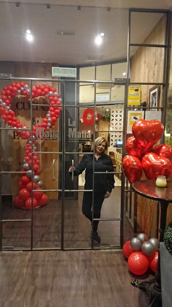 7f86ce11 3166 4032 9d79 d1868f7dbfd9 1 576x1024 - Así se celebra San Valentín en 'La Mafia se sienta a la mesa'