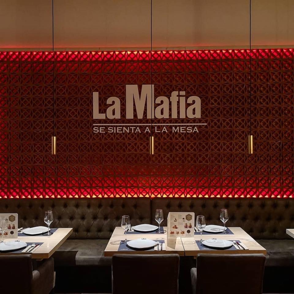 la mafia se sienta a la mesa en plasencia - 'La Mafia se sienta a la mesa' llegará a Plasencia y Zamora