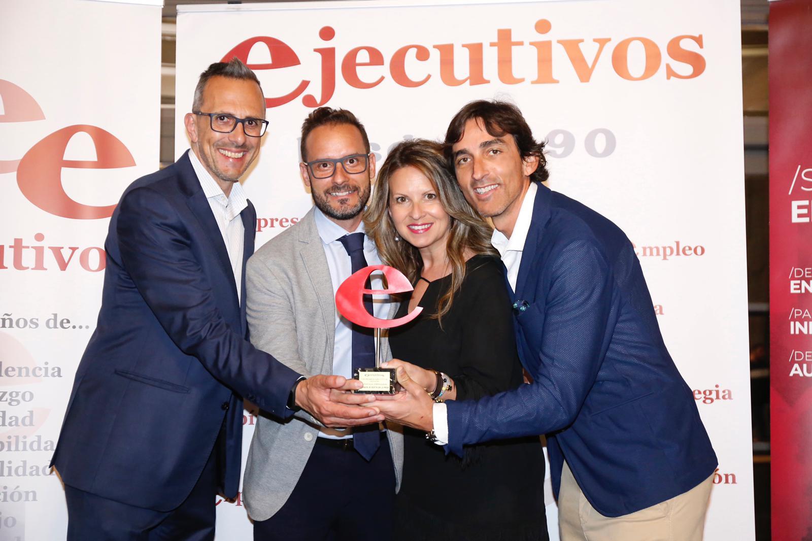 premio ejecutivos estrategia empresarial la mafia - 'La Mafia se sienta a la mesa' premio a la mejor estrategia empresarial