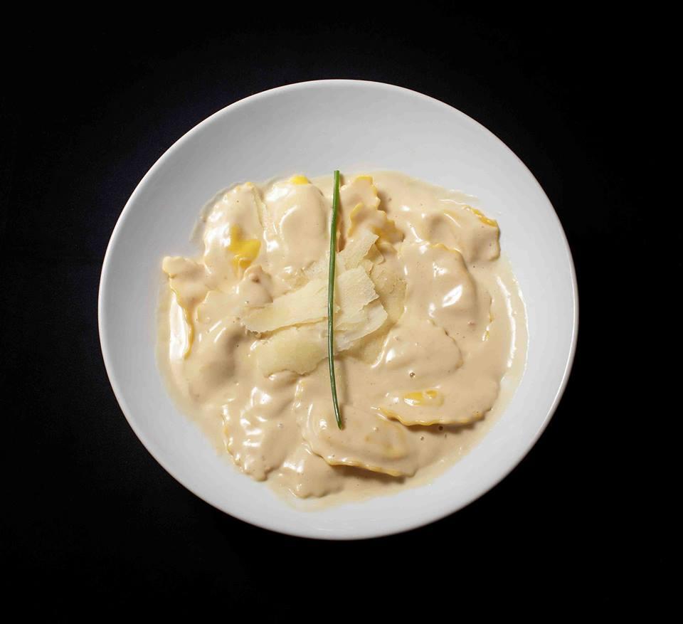 pasta rellena y salsas 2 - Las mejores salsas para los platos de pasta rellena
