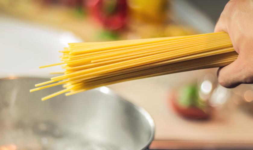 cantidad espagueti persona - Esta es la cantidad de pasta italiana que se cocina por persona