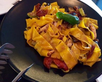 salsas para comer pasta italiana sin queso 2 400x320 - Tres de las mejores salsas para comer pasta sin queso