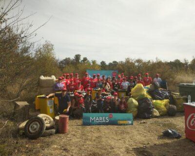 la mafia colaboracion coca cola mares circulares 400x320 - Recogidos más de 650 kilos de residuos en la limpieza del Soto del Francés del río Ebro