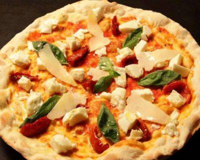 la mozzarella en la cocina italiana 400x320 - La Mozzarella, un queso clave en la cocina italiana