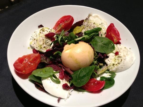 mozzarela en los platos italianos - La Mozzarella, un queso clave en la cocina italiana