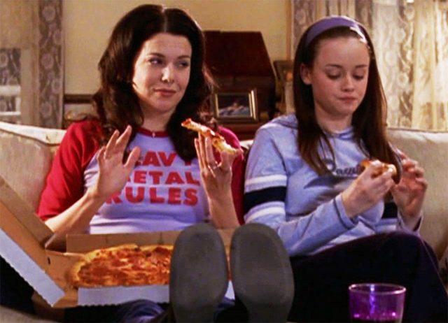 personajes ficcion comiendo pizza - Personajes de ficción que también adoran la cocina italiana