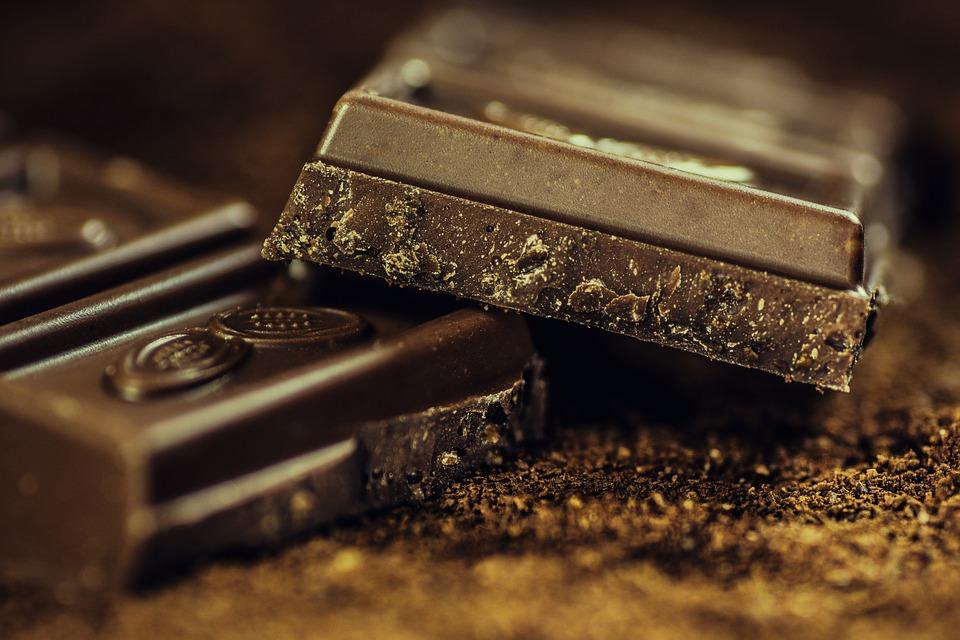 comer chocolate es saludable - Tres alimentos con mala fama y que son saludables