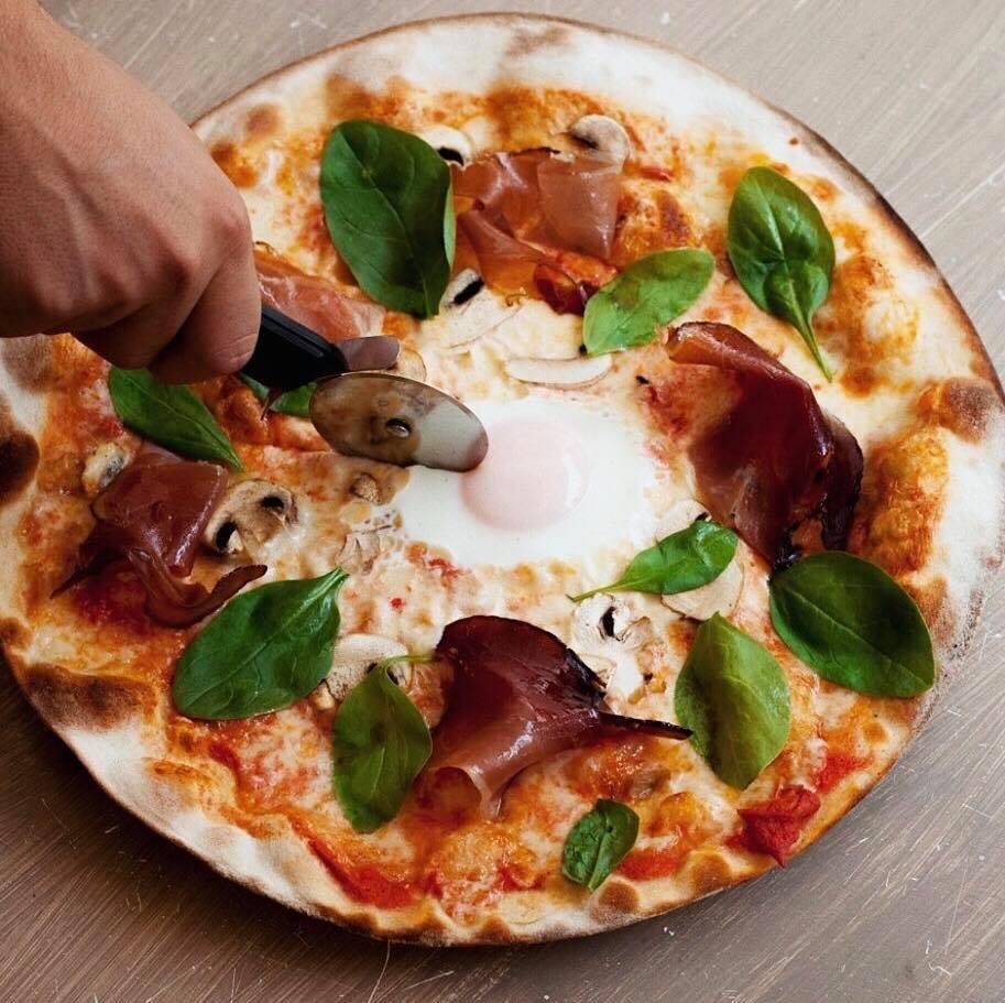 pizzas para cenar - Tres películas de terror para disfrutar con una pizza la noche de Halloween