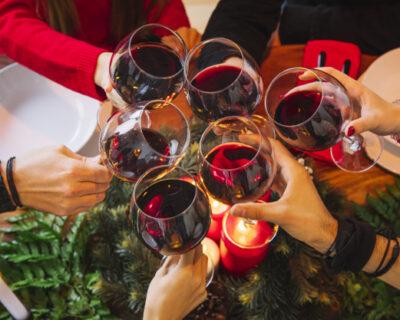 cena de navidad de empresa 400x320 - Tres razones para no faltar a tu cena de navidad