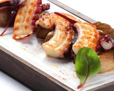 antipasti  cocina italiana  pulpo 400x320 - Tres platos saludables para disfrutar del antipasti en un restaurante italiano.