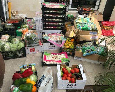 lamafiasesientaalamesa comedores sociales 400x320 - 'La Mafia se sienta a la mesa' dona alimentos a comedores sociales
