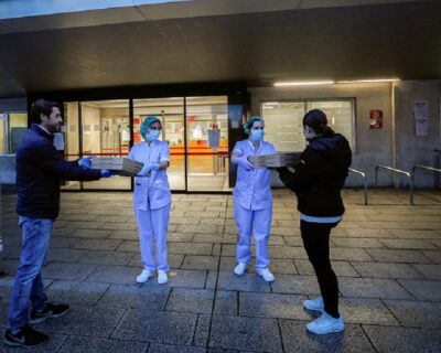 """food4heroes pamplona lamafia 400x320 - Los 'ángeles' que alimentan a los """"héroes"""" de Pamplona con la ayuda de más de 20 restaurantes y empresas"""