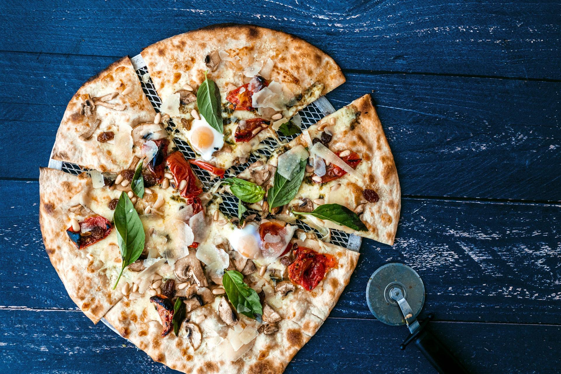 las mejores pizzas en la mafia se sienta a la mesa - Dime como te gusta la pizza y te diré que vino elegir