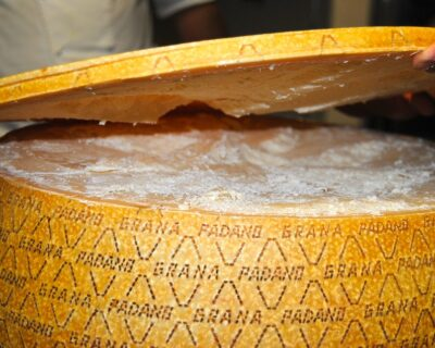 queso grana padano 400x320 - Grana Padano y Parmesano, ¿conoces la diferencia de estos dos quesos italianos?