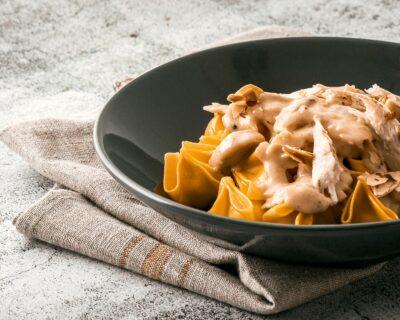 salsa y pasta 400x320 - Cuatro secretos que desconocías de la cocina italiana