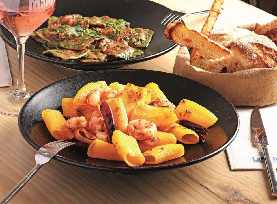 pasta y salsa cocina italiana - ¿Por qué se preparan tantos tipos de salsa para comer pasta en la cocina italiana?