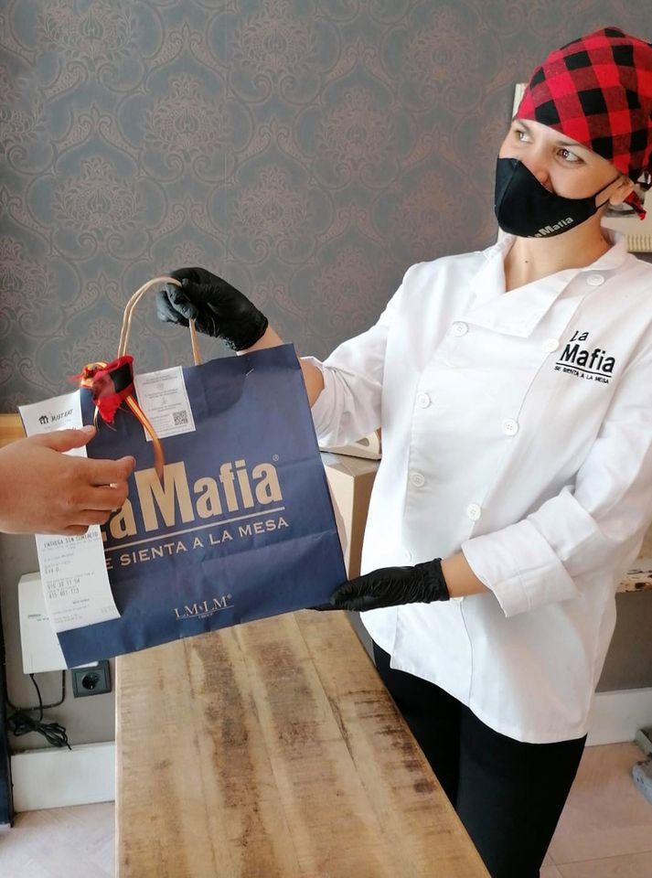 servicio para recoger de comida italiana - La Mafia se sienta a la mesa también llegará a Portugal