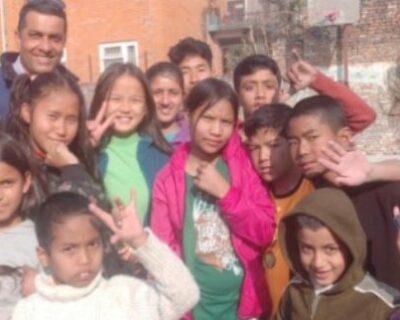 NinosProyectoMyHome Nepal 696x322 1 400x320 - La Mafia ayuda a la escolarización de 500 niños en Nepal