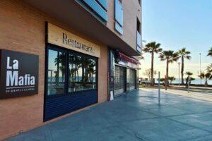 Grupo La Mafia se sienta a la mesa abre nuevo restaurante en Málaga