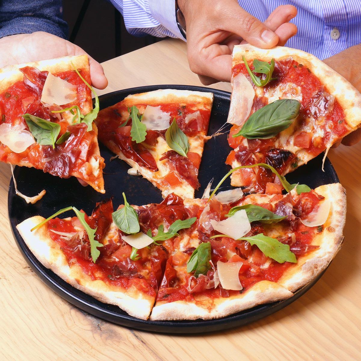PIZZA DELICIOSA JAMÓN IBÉRICO - Tres platos irresistibles para los amantes del jamón