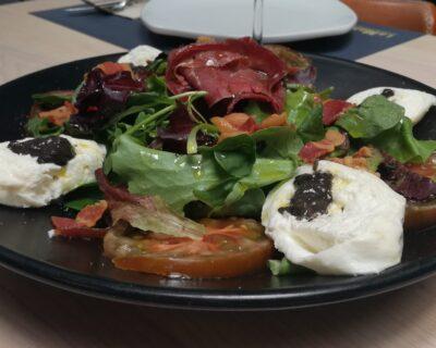 ensalada caprese deliciosa 400x320 - Insalata Caprese, una deliciosa ensalada con mucha historia
