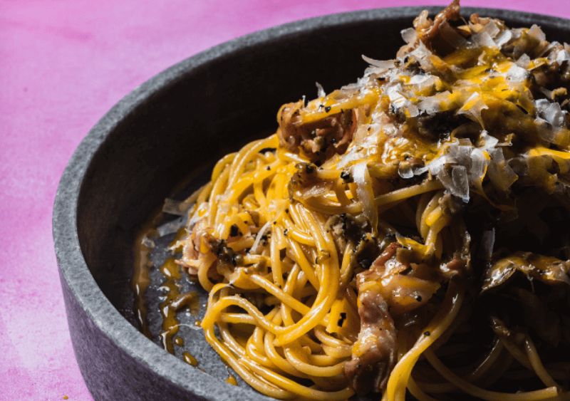 espaguetis salsa carbonara - 5 salsas para pastas: clásicas, fáciles y rápidas