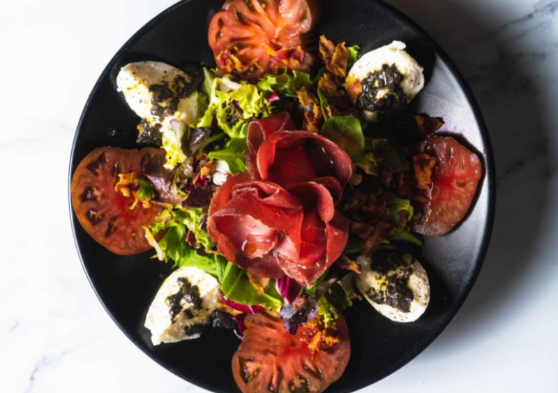 ensalada con burrata - Queso burrata: Origen y 4 deliciosas recetas