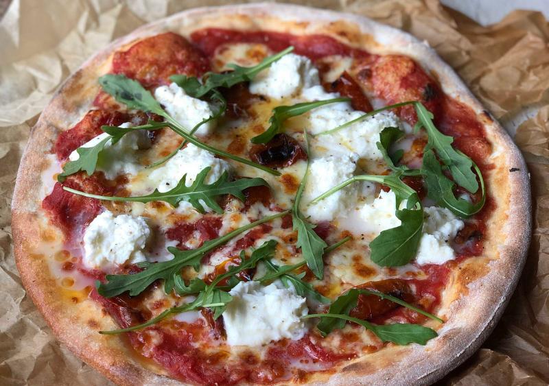 pizza con burrata - Queso burrata: Origen y 4 deliciosas recetas